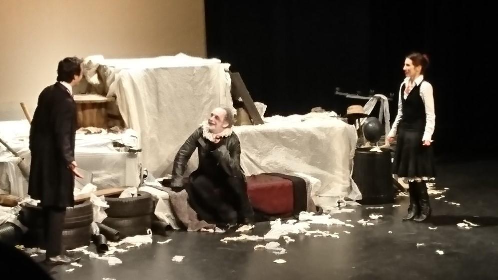 Théâtre 4